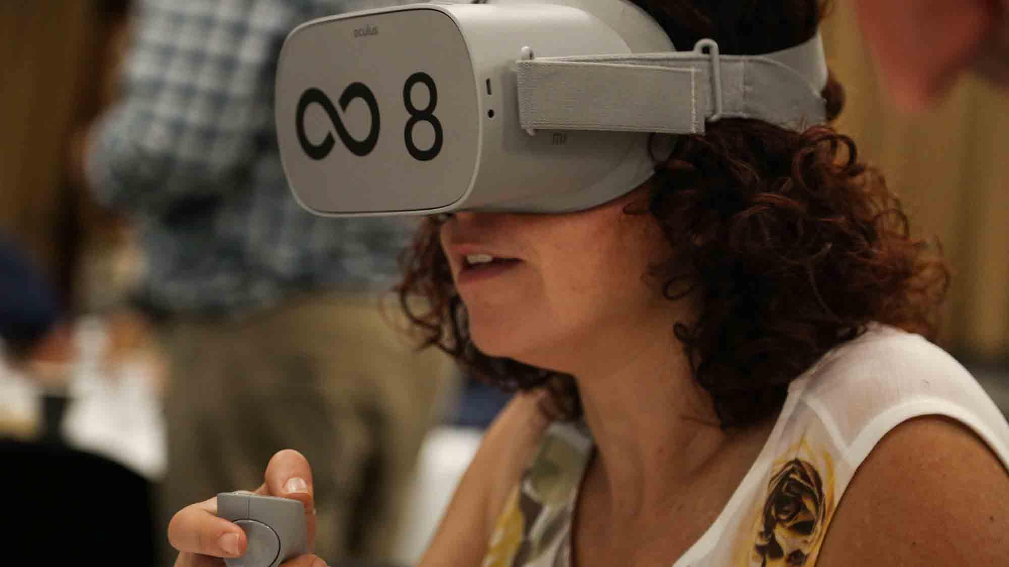Virtual Reality Infinite Loop Team Building